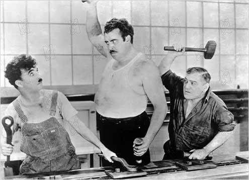 """Charles Chaplin 1936 critica en """"Tiempos modernos"""" el modelo de negocio que sólo busca la productividad."""